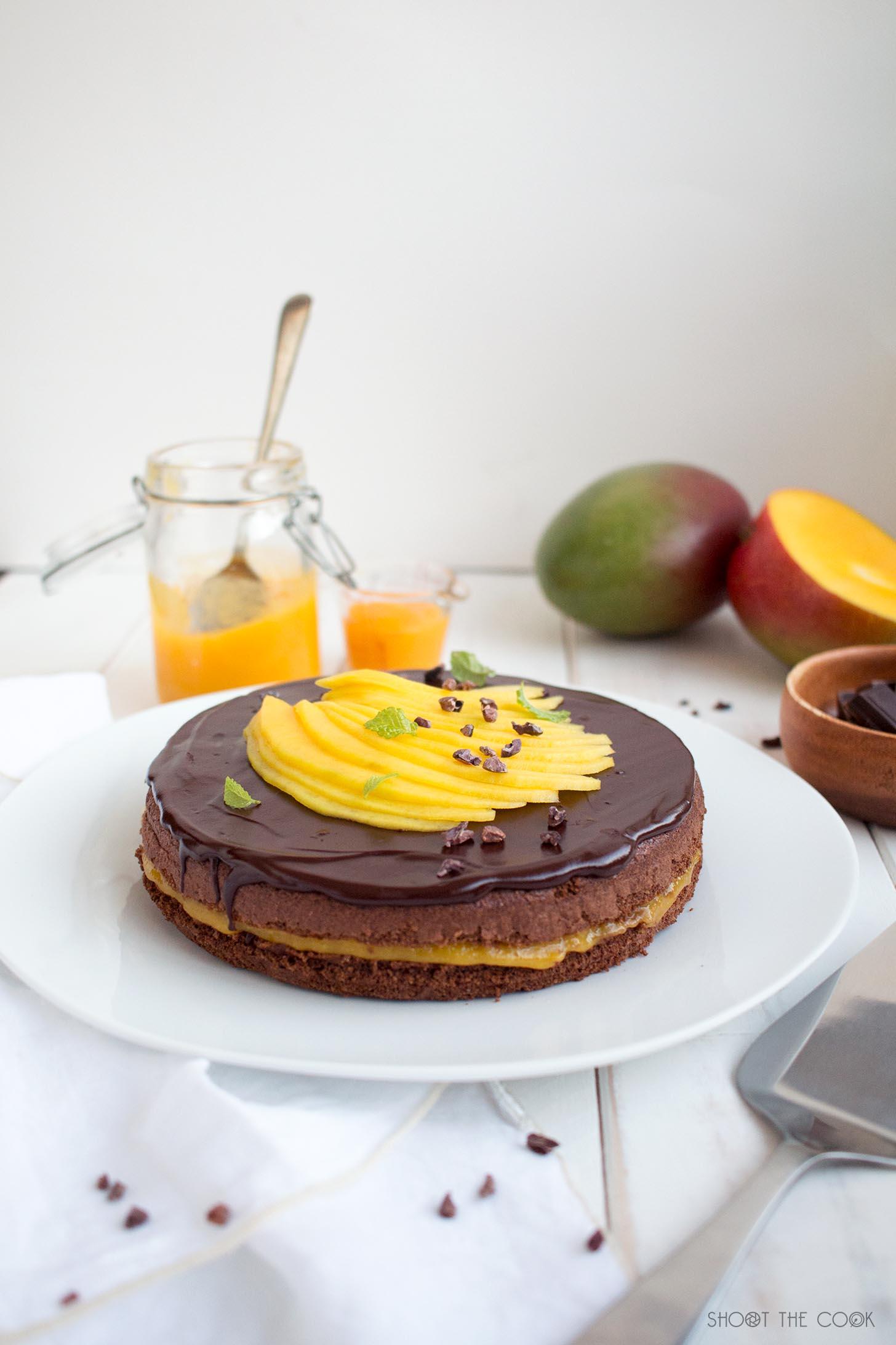 tarta de chocolate y mango
